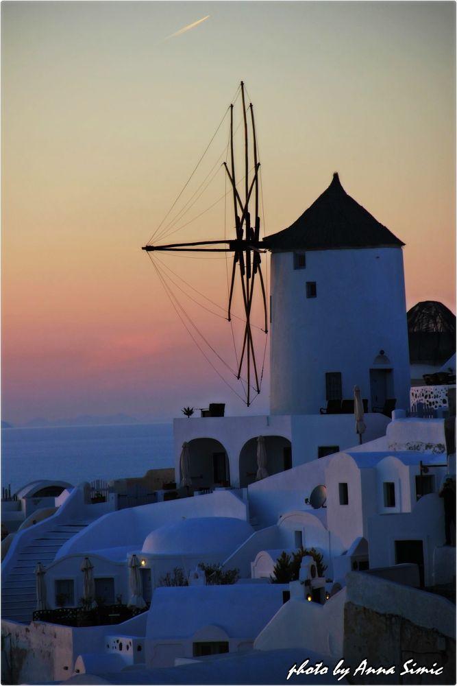 Oia Santorini by Anna Simic