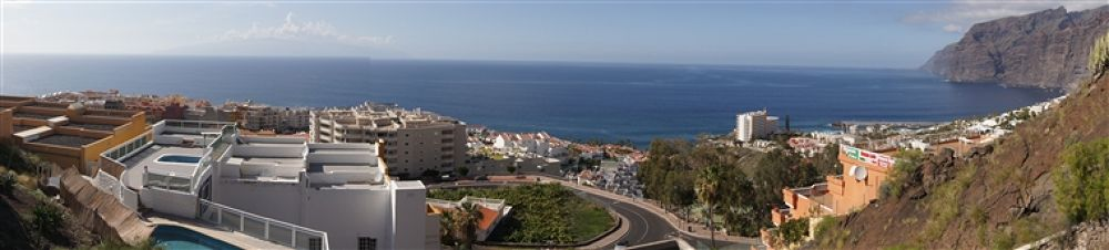 A road in Tenerife by alexman