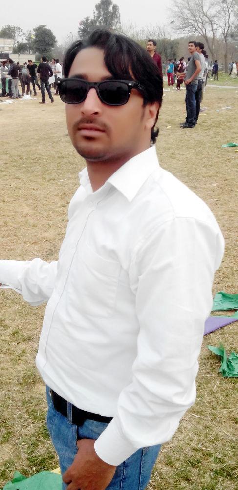 Shahrukh Sohail (My pic ) by Shahrukh Sohail