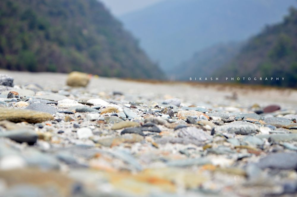small pices rock in teesta river by Bikash Mondal