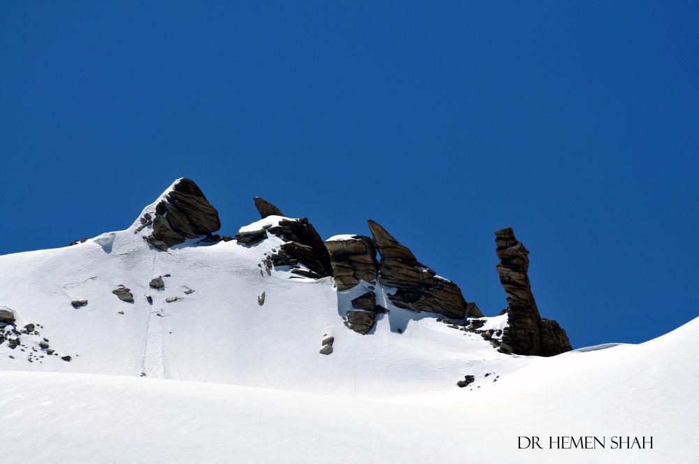 Sculpture in Ice. by Hemen