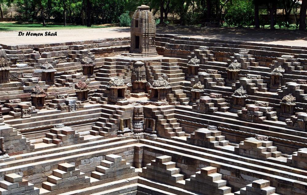 Modhera Sun Temple. by Hemen