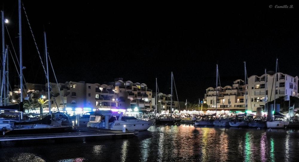Port nocturne de Gruissan by Camille BERGER