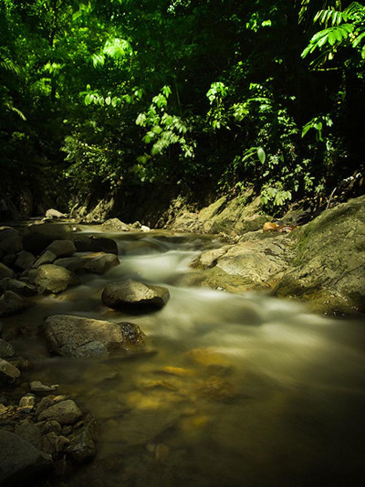 Pemandian Lombongo, Gorontalo by suwitopoms