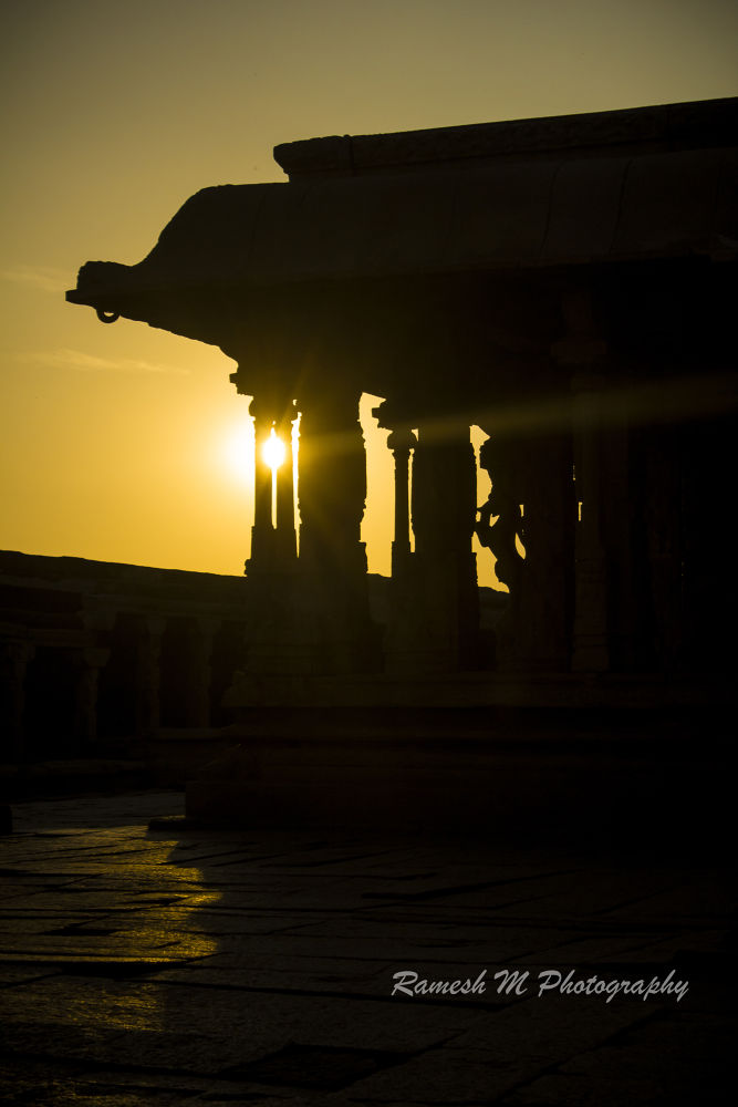 Hampi Temple by Ramesh Muthaiyan