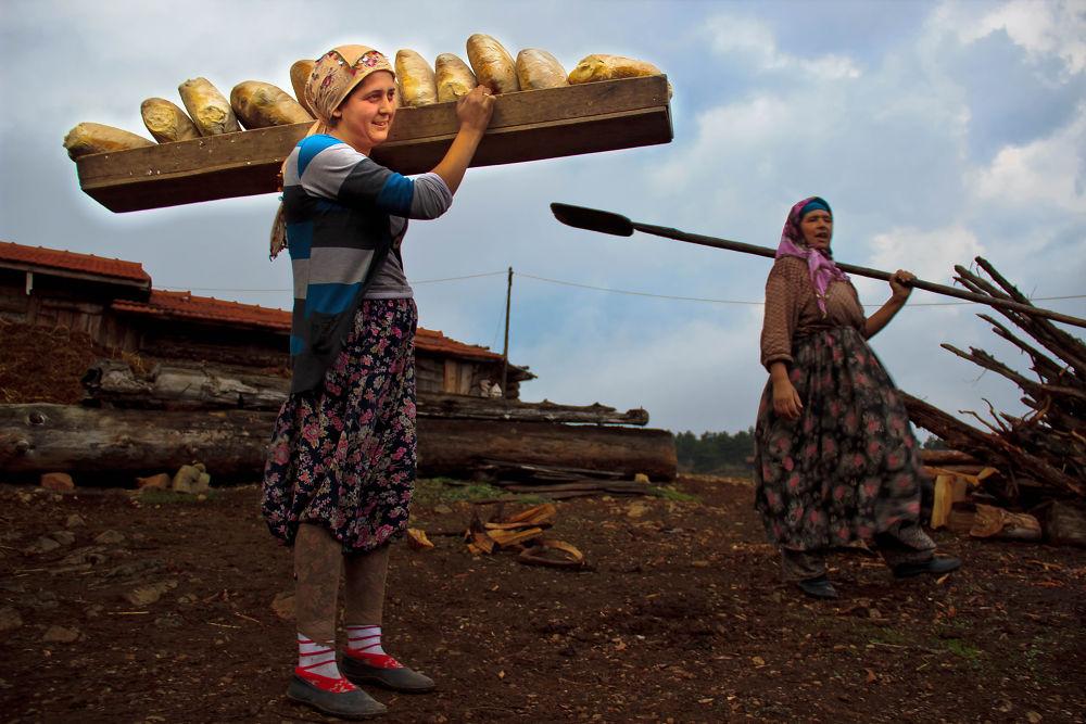 Photo in People #ekmek #emek #kadın #köy #village #yaşam #fırın #doğalyaşam