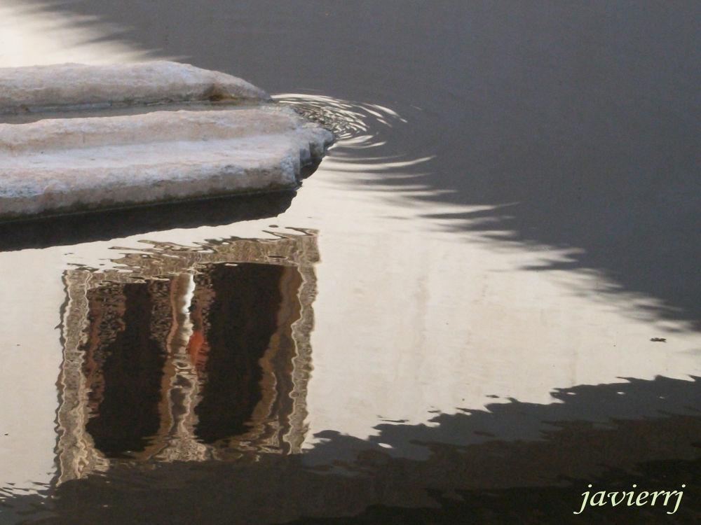 ventana en el agua by javierrj