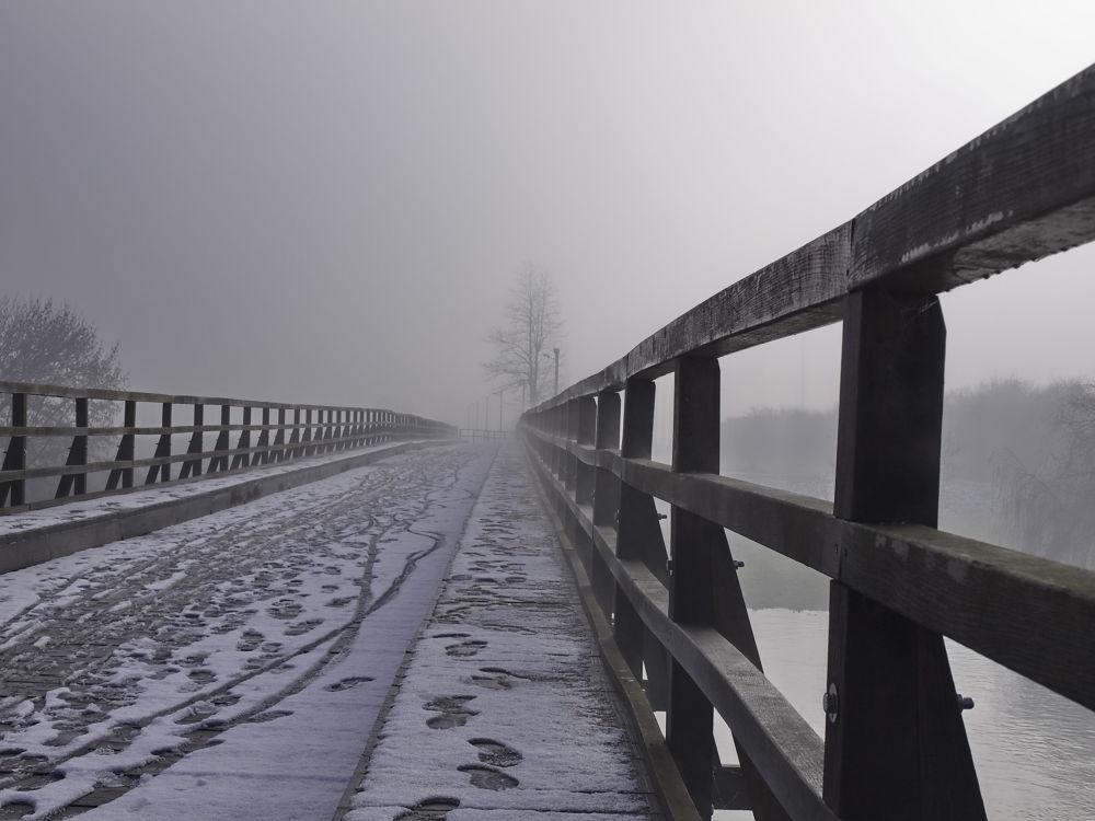 snijeg na mostu by Zdravko Sudac