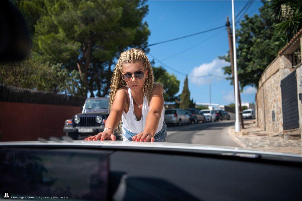 Surfer Girls.  ♀️