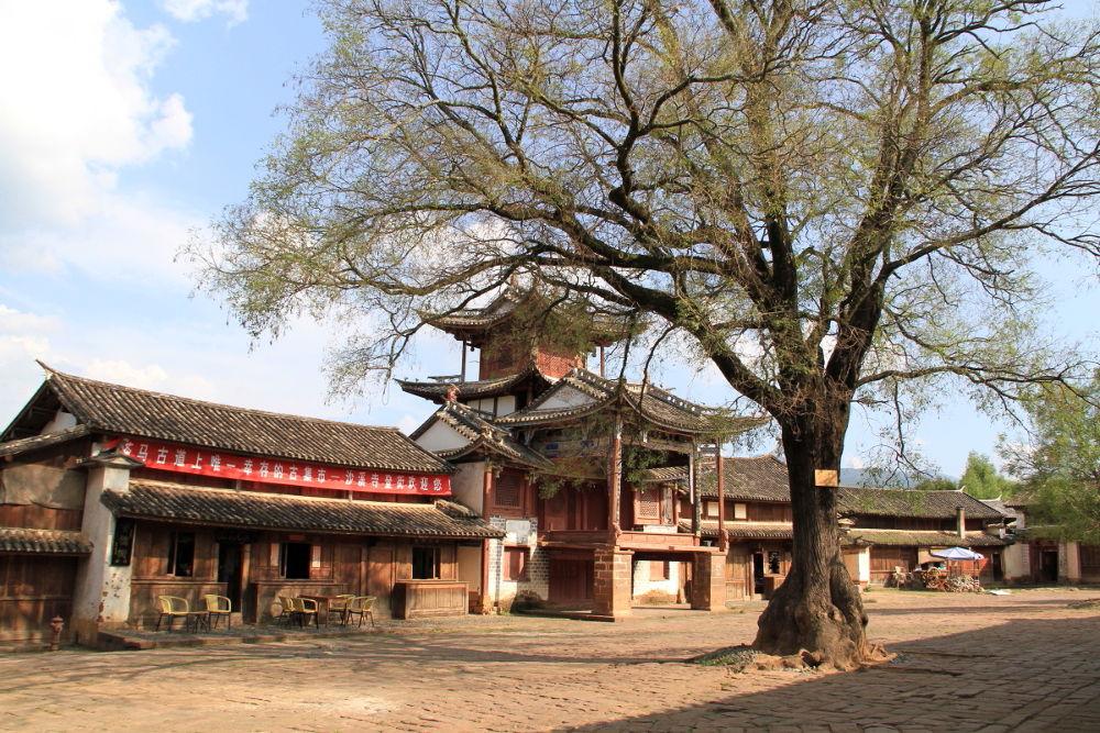 Yunnan-Shaxi-Town-101 by Arie Boevé