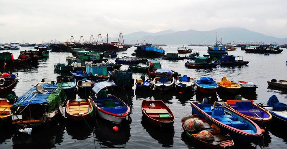 Boat in HongKong by romen1103
