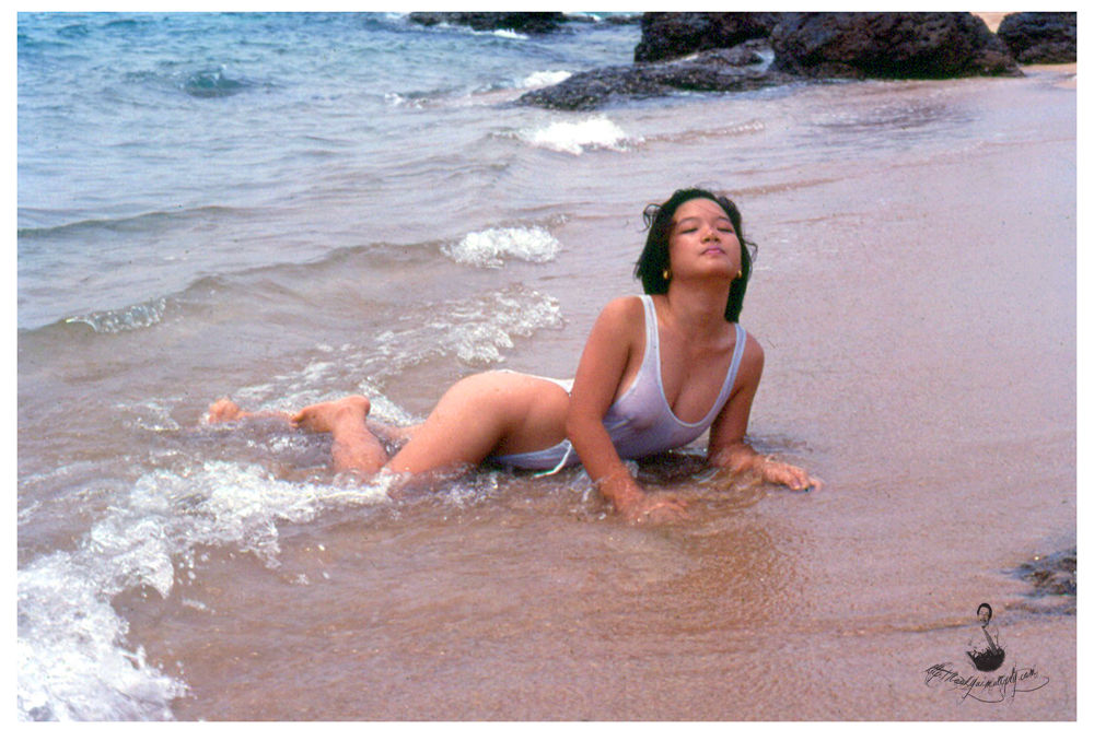 Nude (2) by bookyui