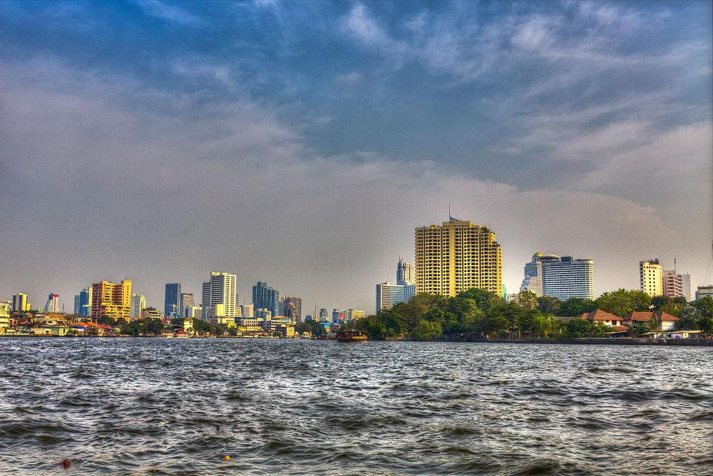 Boat trip at the Chao Phraya River by Zeno Bresson