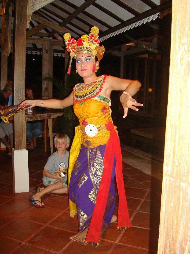 Danser, Bali by SVK