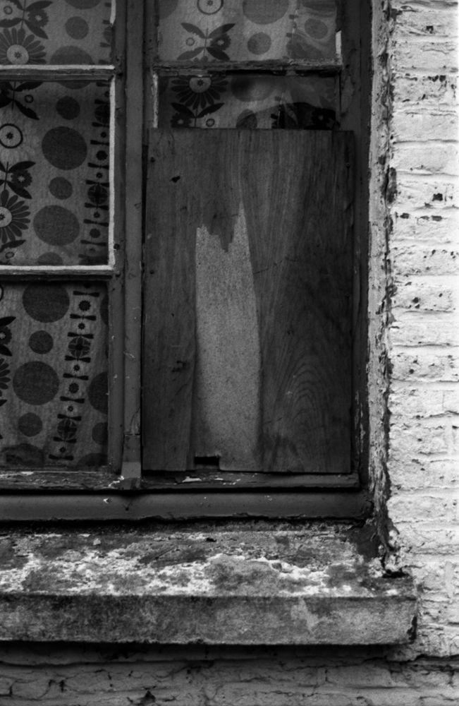 Fenêtre cassée by SimonDelange