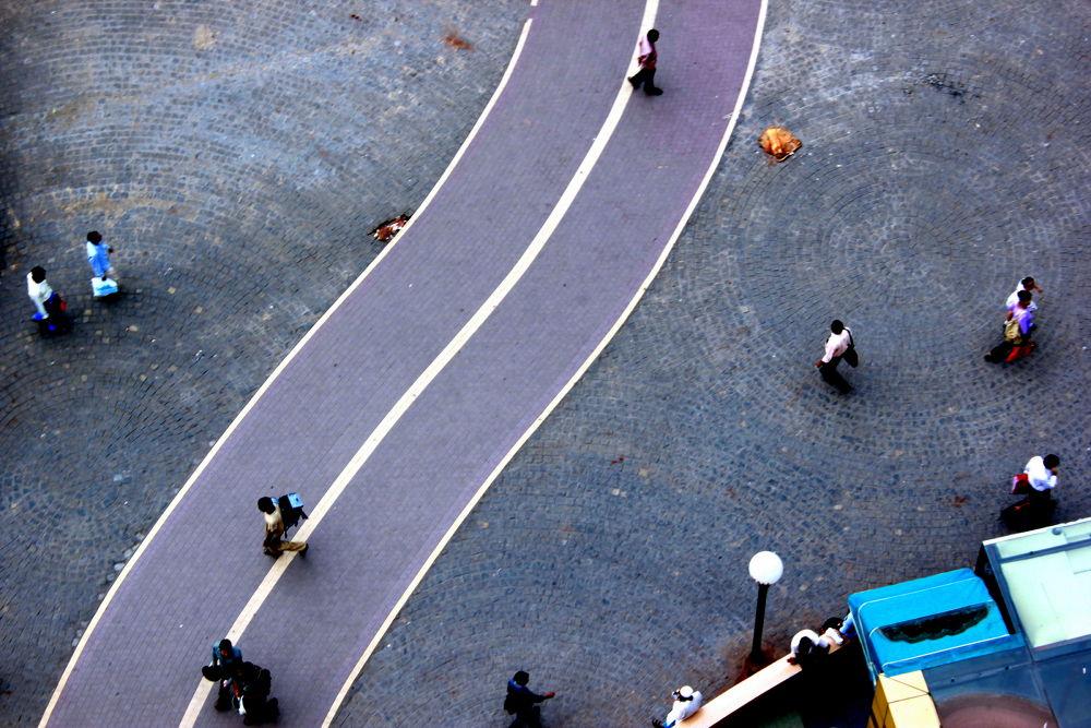 walking road by LattaaJaaiswwal