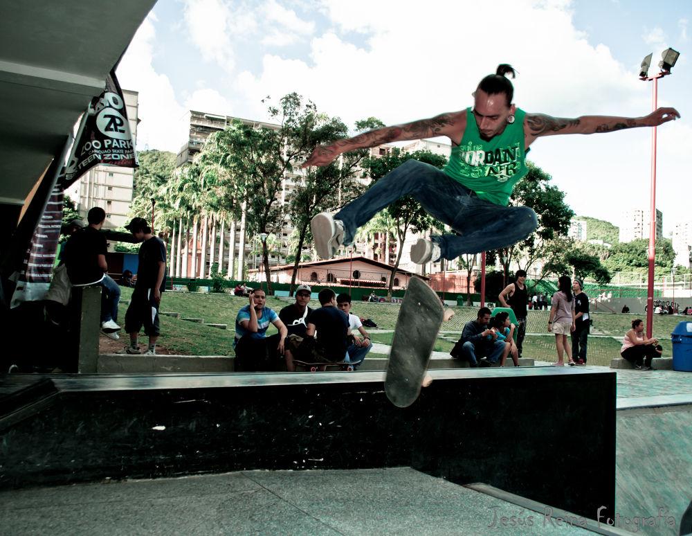 360º kickflip — Skater: Josue Urea. Zoopark Caricuao by jesrei