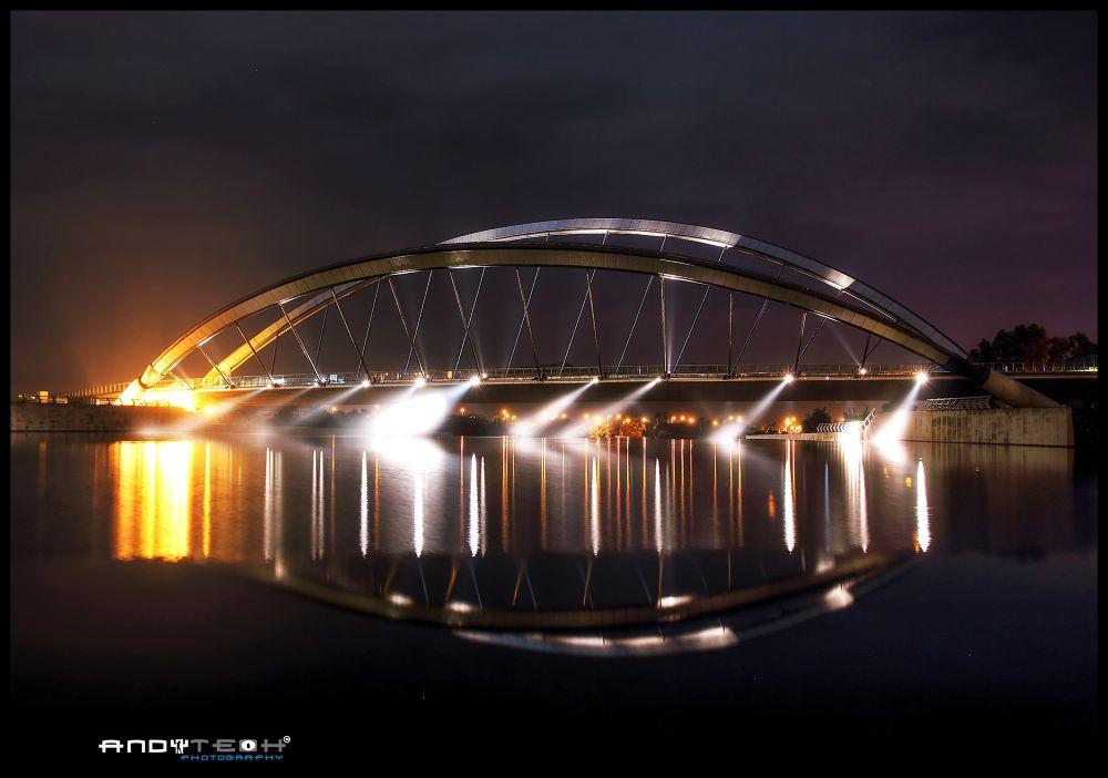 Putrajaya Dam & Pedestrian Bridge by andyteoh73