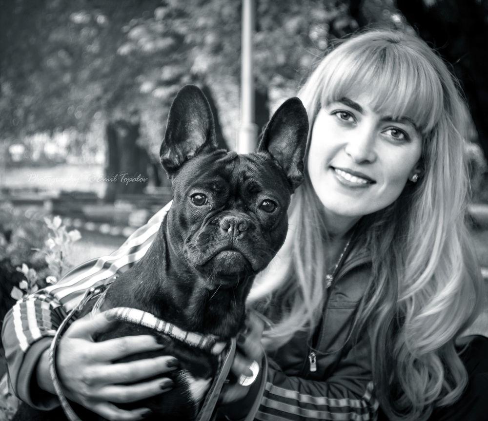 Poli Dimitrova with Arni dog by Emil Topalov