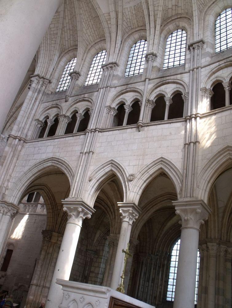 Basilique de VEZELAY by Patou Bougare