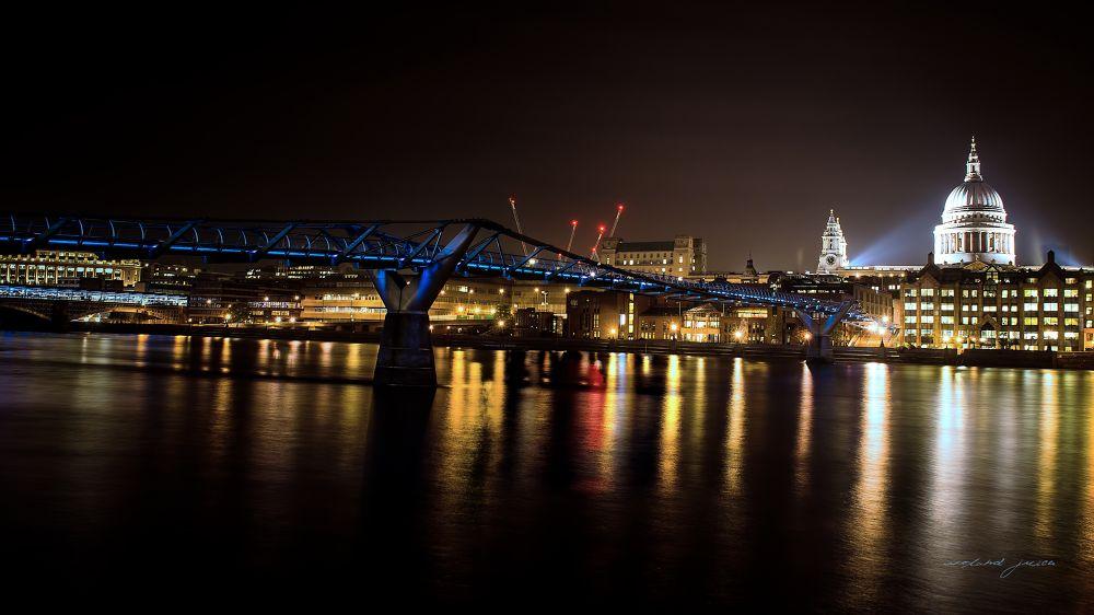 Millenium Bridge by Roland Juice