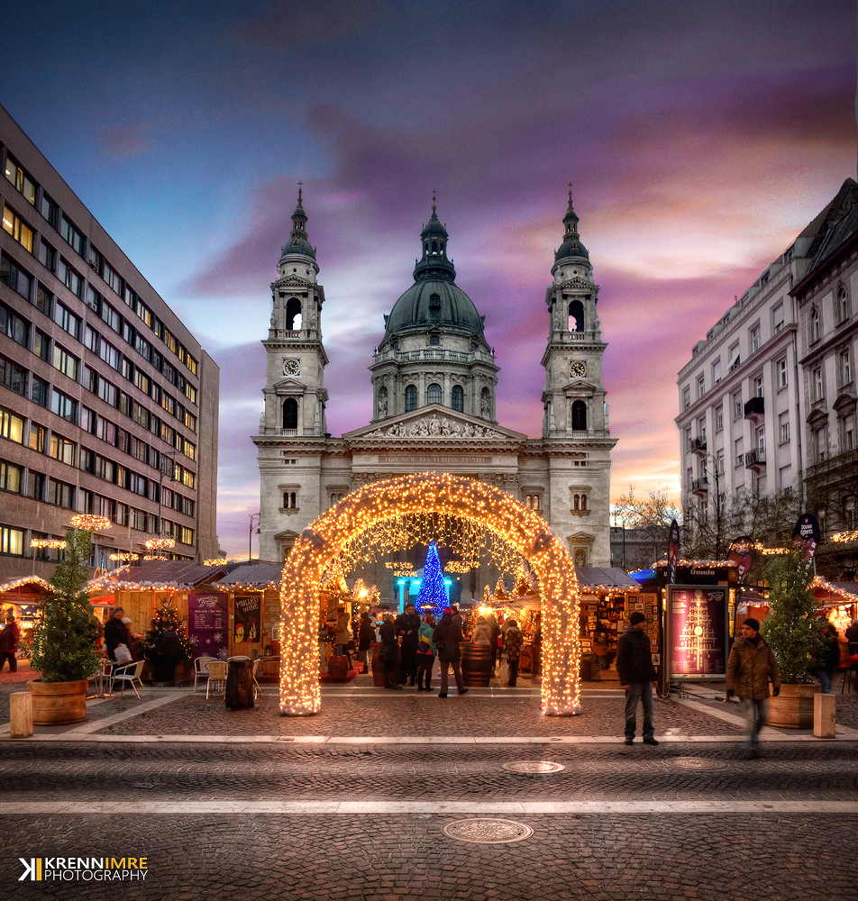 Christmas atmosphere in the St. Stephen square by krennimi