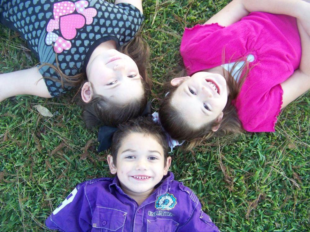 circle of kids by heavenslostangel