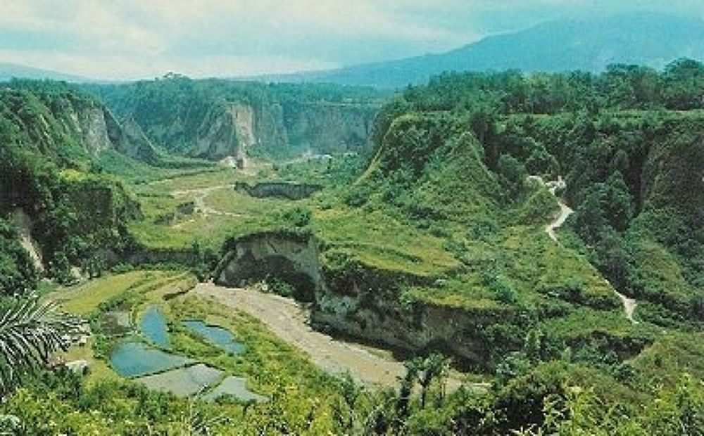 sianok canyon by gie