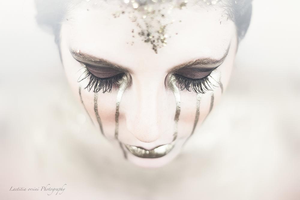 Photo in Fashion #gold #beauty #fashion #makeup