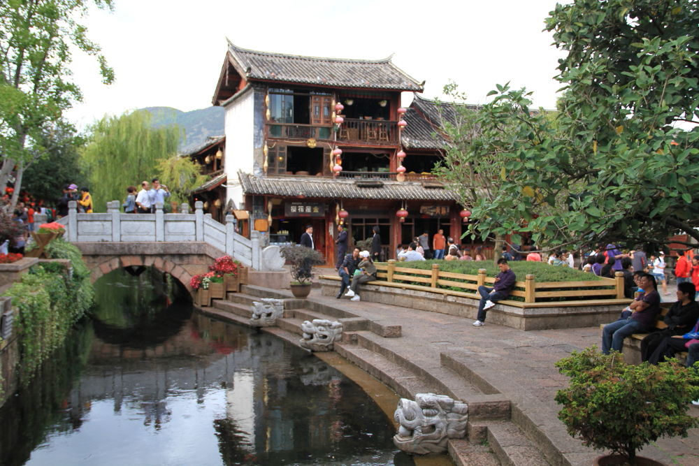 Yunnan-Lijiang-Old-Town-by-Day-173 by Arie Boevé