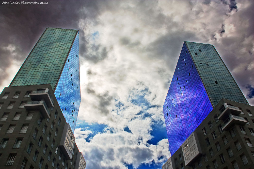 BILBAO : The Twins by JohnVagios