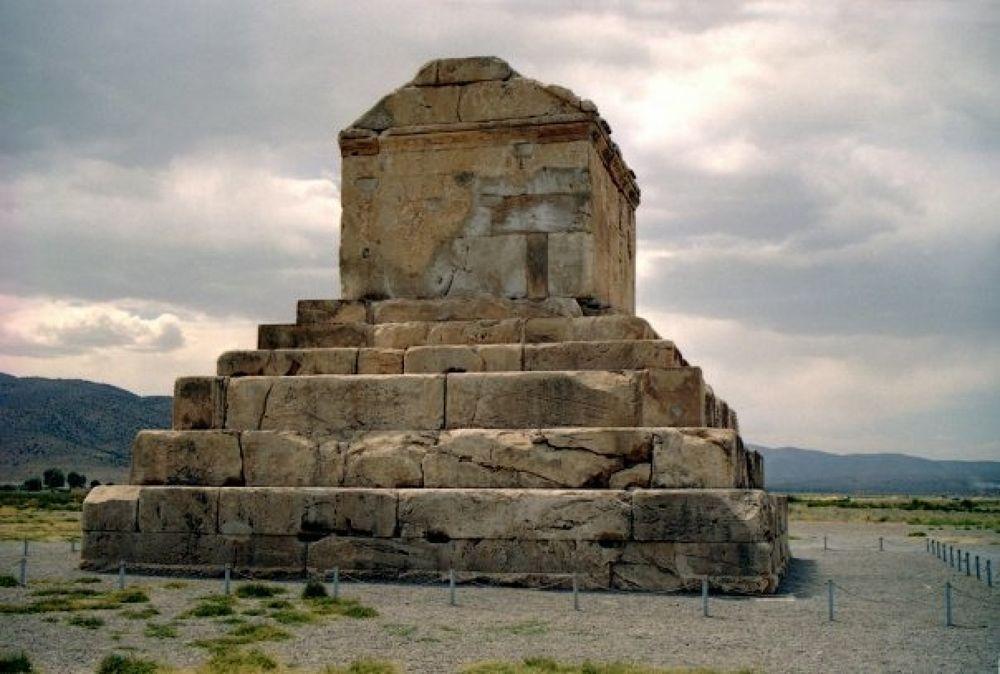 Photo in Random #great #cyrus #grave