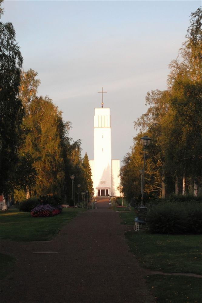 Kerk Iisalmi (2) by mellie