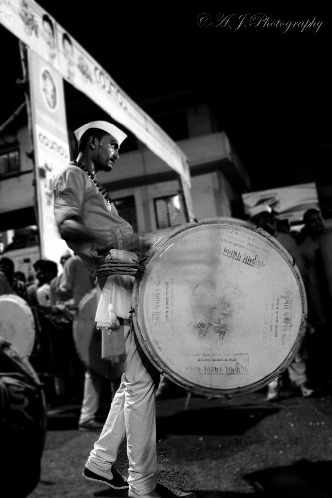 Playing Dhol by abhitrups2002