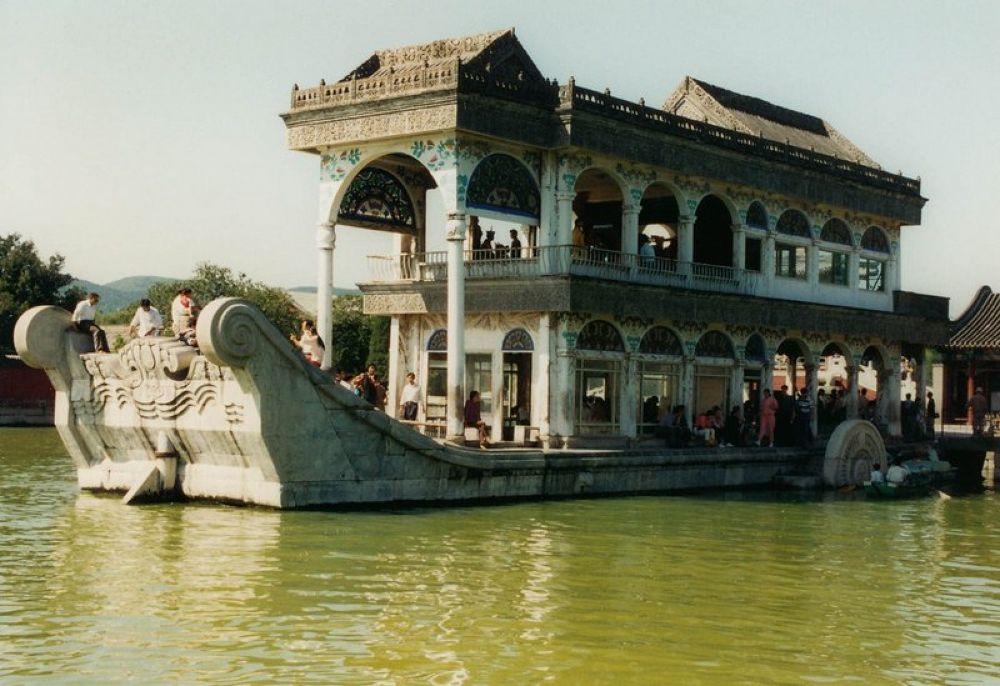 Beijing_Summer_Palace-115 by Arie Boevé