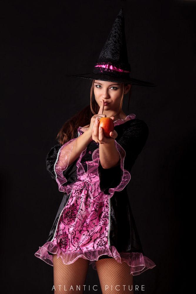 Alicia Halloween shoot  by AtlanticPicture