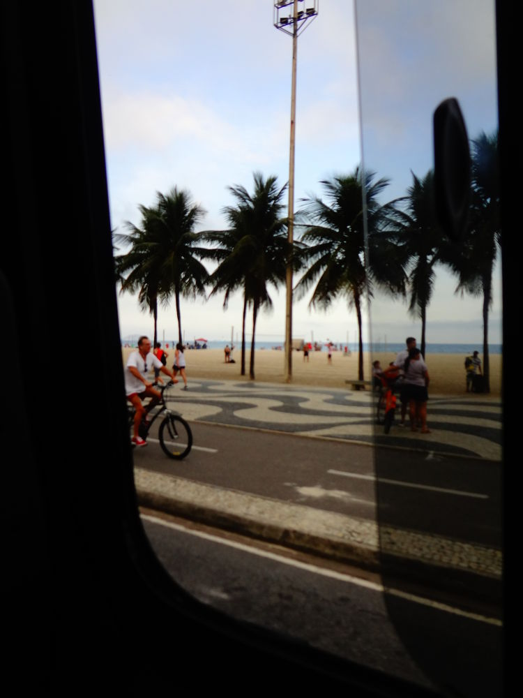 Beach by bus by xshake