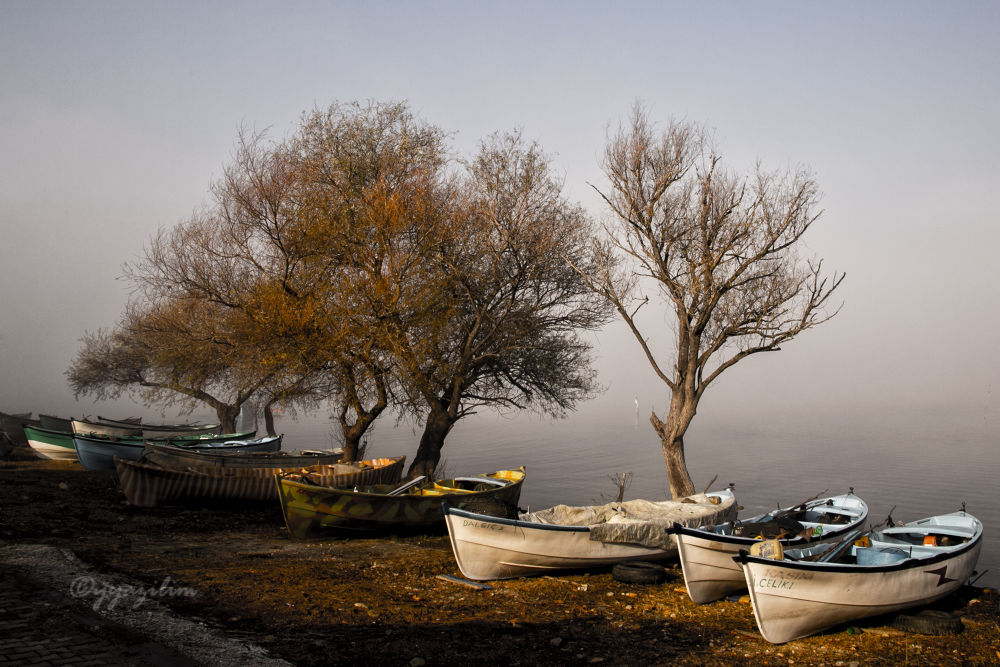 Gölyazı and fog by İbrahim YILDIZ