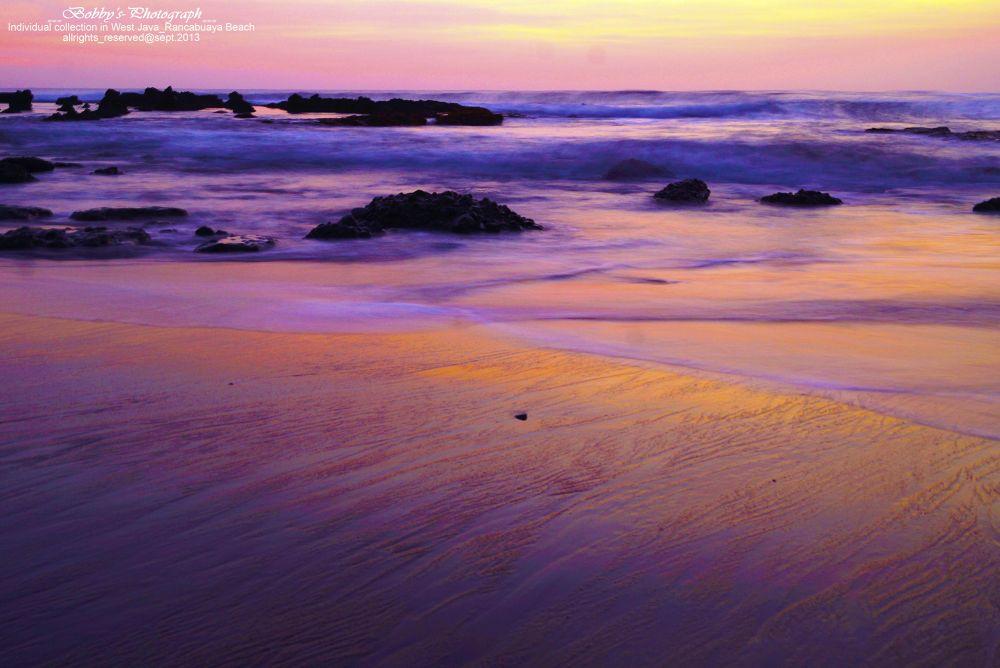 Rancabuaya Beach by BOBBYRAHMANLUBIS