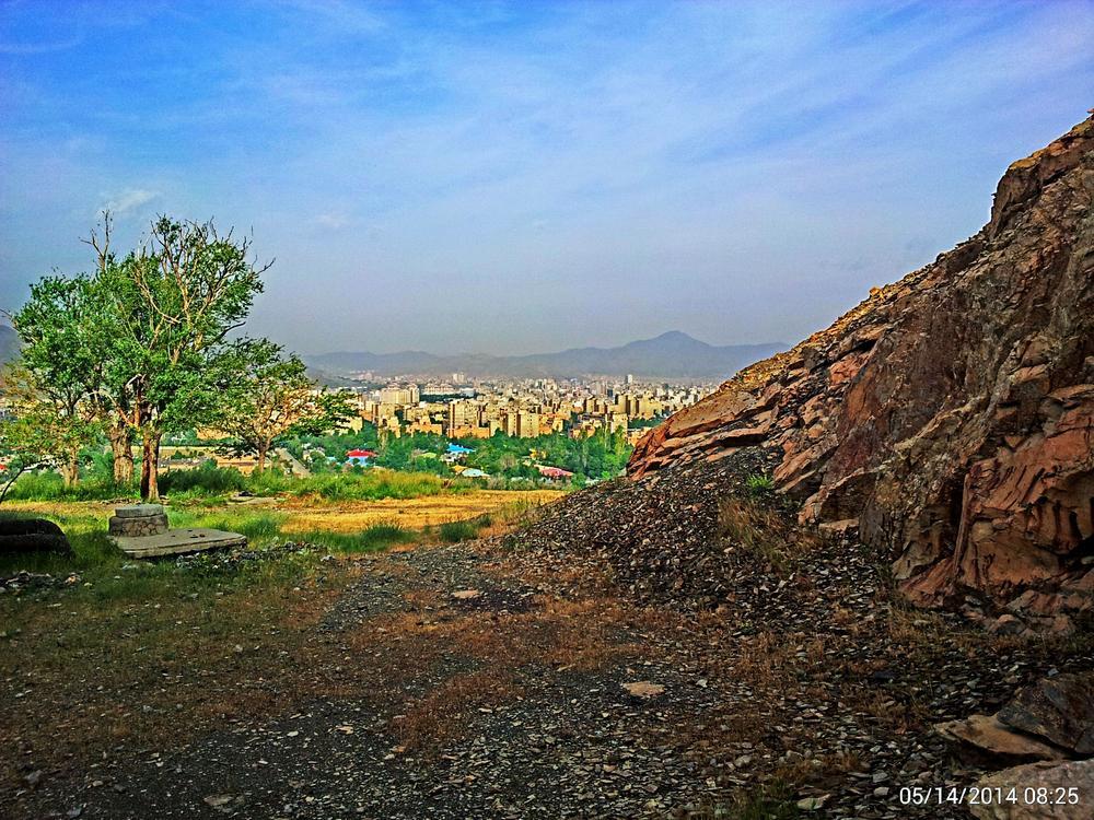 شهرصنعتی اراک از کوه و آلودگی شهری-عکس با موبایلMountains and contaminated industrial city of Arak c by Ahmad Hezavei
