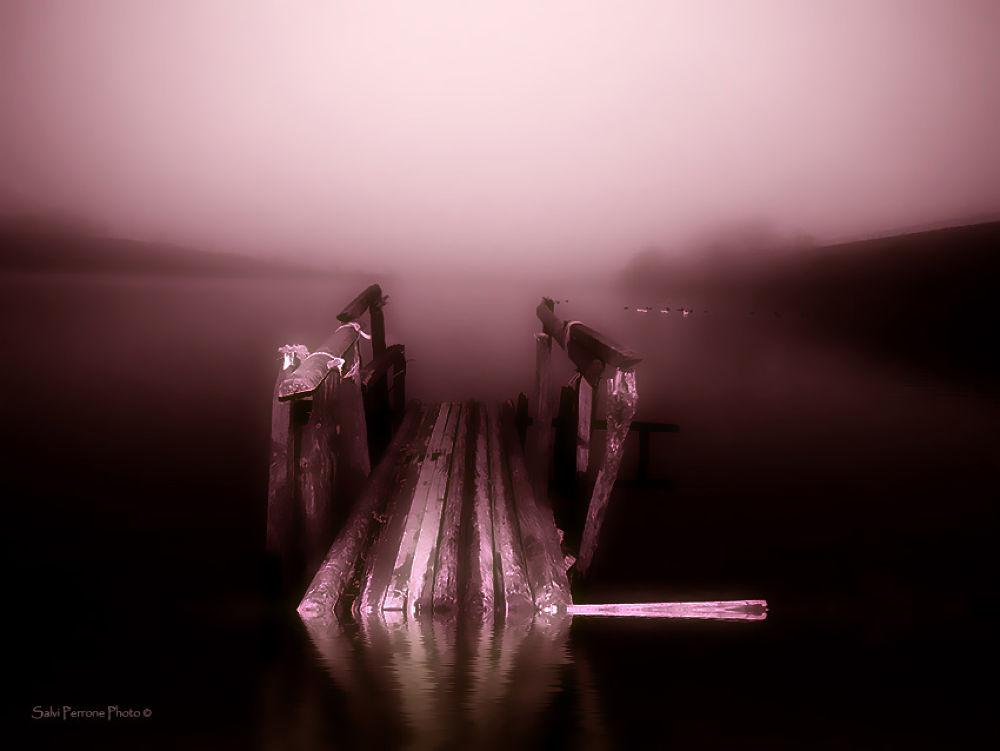 Il-pontile-sul-lago-3-photo-di-salvi-Perrone.jpg by SalviPerrone