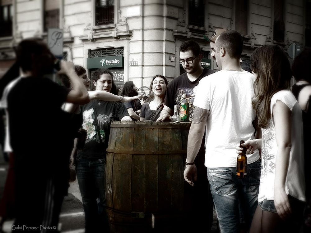 Bar-ambulante-Milano-1-maggio-photo-di-Salvi-Perrone.jpg by SalviPerrone
