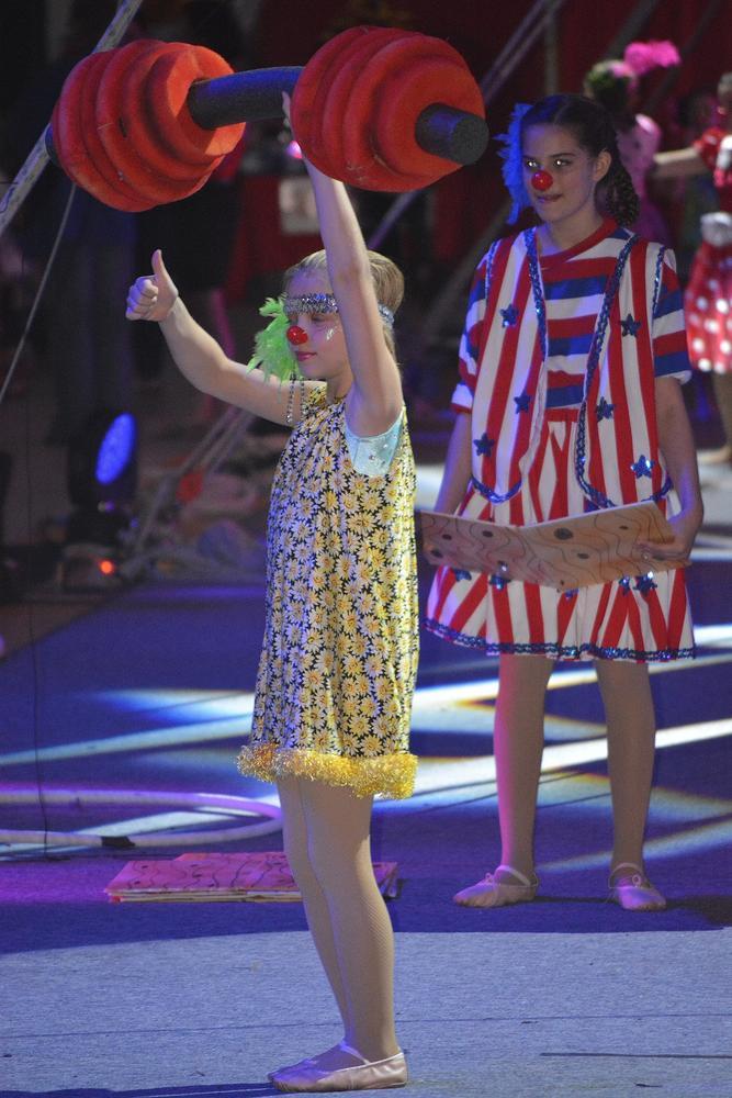 Circus girl by rmebrtme