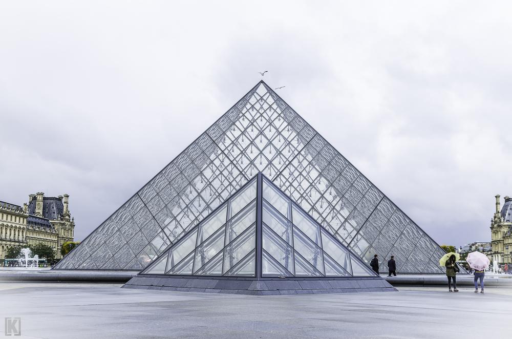 Pyramide du Louvre . PARIS 2013 . by kriska62 photographe