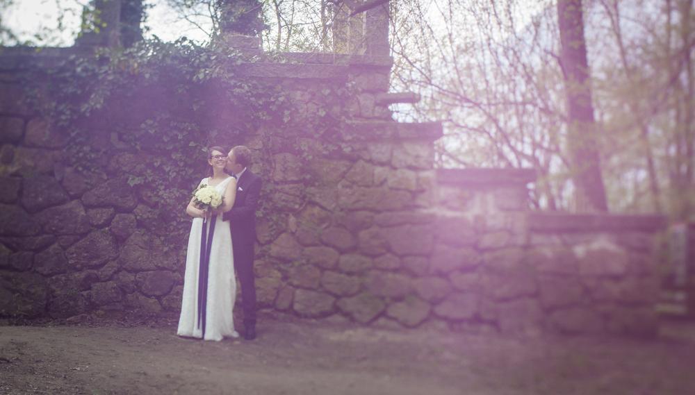 Photo in Lomo #love #wedding #romans #old #look #lokation #style #wall #kiss #rain