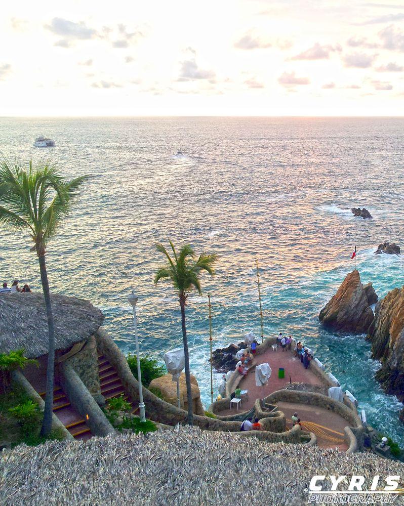 Monte de Clavadistas - Acapulco by cyrisphotograph