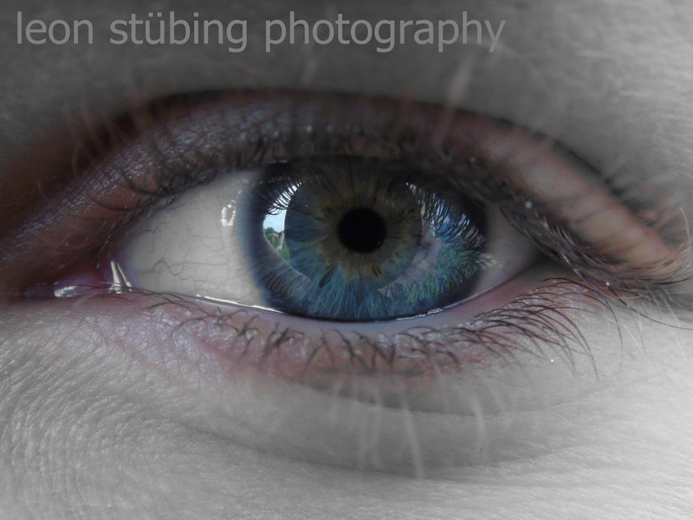 das erste mal ein foto von einem menschen gemacht und das ist das erste bild:) bin stolz meine faceb by Leon Stübing