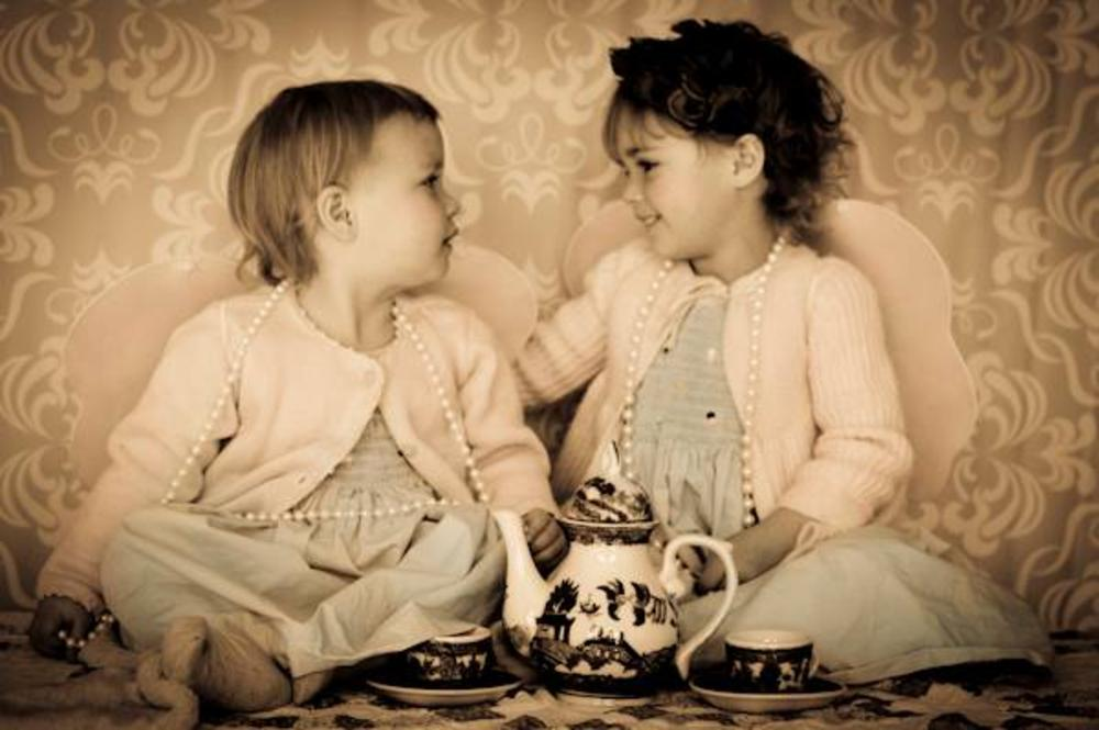 Sisters Tea by Amanda Yaryan