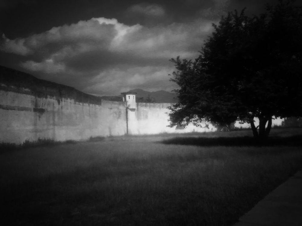 Noche en Carcel by JIOS
