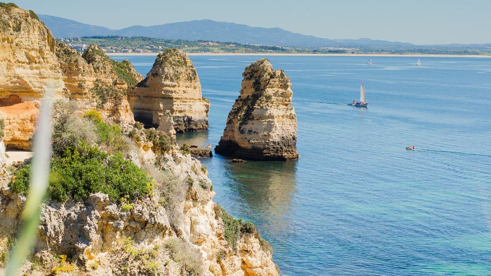 Photo in Landscape #lagos #portual #portugal #europe #photo #foto #mar #sea #mer #océan #atlantique #boat #roche #rocher #photographie #blue #bleu #horizon #paradis #holidays #jsebouvi